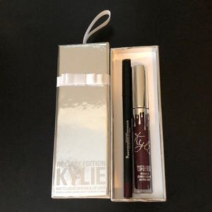 Kylie lip kit holiday edition